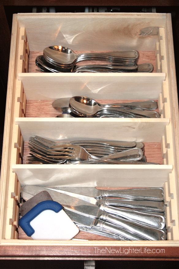 Organized-Silverware-Drawer
