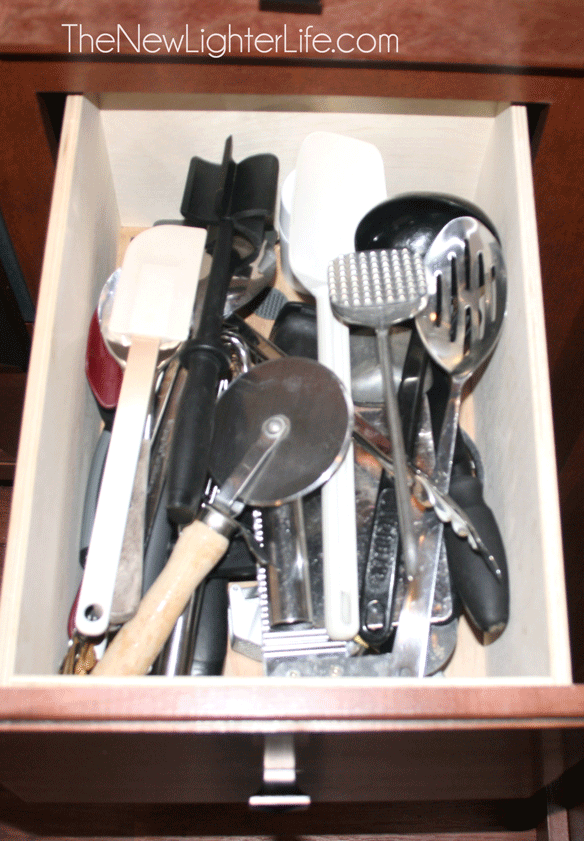 Untensil-Drawer-Before