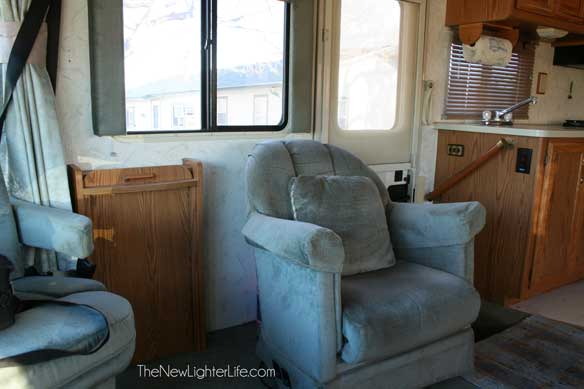 96-winnebago-adventurer-lounge-chair