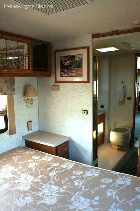 96-winnebago-adventurer-view-from-master